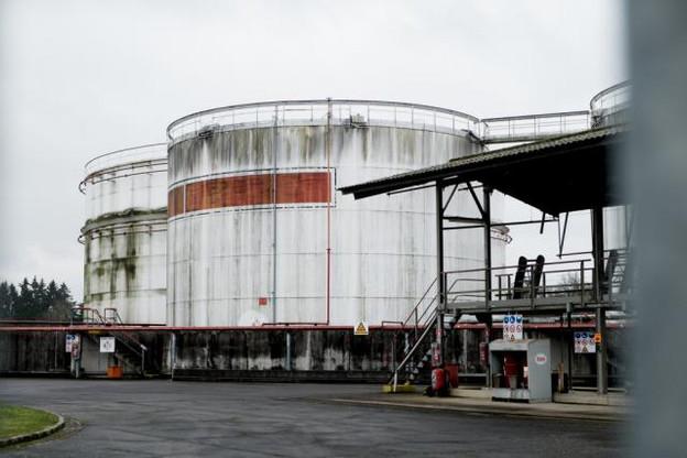 La plupart des autorisations d'exploitation des dépôts pétroliers (ici Q8 à Bertrange) arrivent à échéance d'ici fin 2020.  (photo: Jessica Theis / archives)