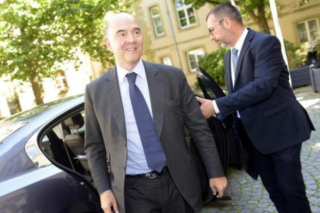 Pierre Moscovici, à son arrivée au bureau du Premier ministre Xavier Bettel. (Photo: Christophe Olinger)
