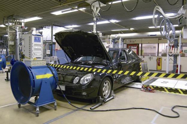 Œuvrant à concevoir la voiture de demain, les 430 ingénieurs de Delphi au Luxembourg organisent toutes sortes de tests sur le site de Bascharage. Une partie d'entre eux se consacre à un nouveau système 48 volts hybride léger qui offre un plaisir de conduire intact. (Photo: Delphy)