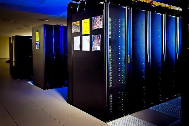 Utilisé pour faire des simulations numériques dans le domaine industriel, scientifique ou médical, le calcul à haute performance exige tellement de ressources que les calculs ne peuvent être effectués à l'aide d'ordinateurs à usage général. (Photo: Licence C.C.)