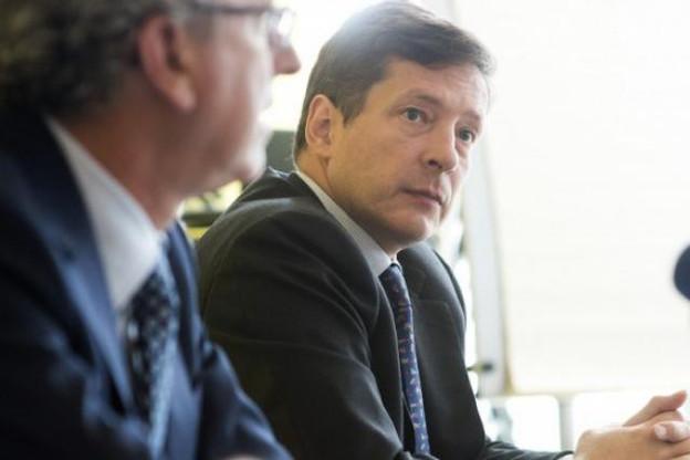 Nicolas Mackel, aux côtés du ministre des Finances, Pierre Gramegna, le 2 septembre pour présenter l'agenda de LFF. (Photo: Christophe Olinger)