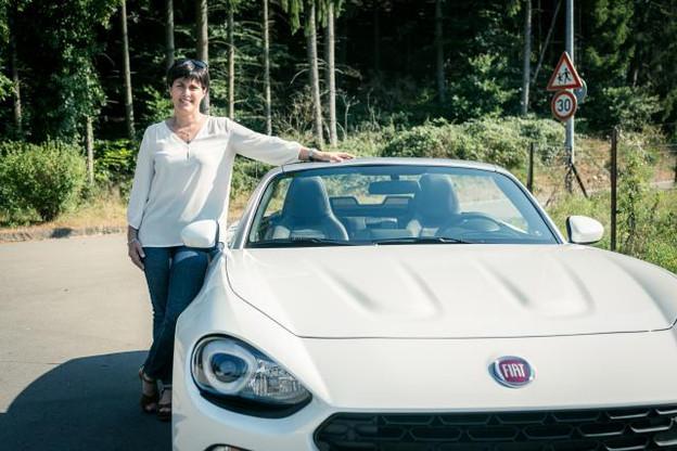 Pour Barbara Brecko, c'est «une voiture fun, un second achat qu'on utilise quand il fait beau». (Photo: Maison Moderne)