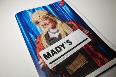 Mady Durrer incarne le rôle de Henriette/Jeannette dans la production «Frittparade 2000». Elle incarne également la cover de City Mag, qui paraît ce jeudi. (Photos: Maison Moderne Studio)