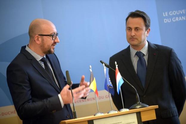 Les deux Premiers et leurs collègues vont se revoir en février prochain pour parler, entre autres, des frontaliers. (Photo: Christophe Olinger)