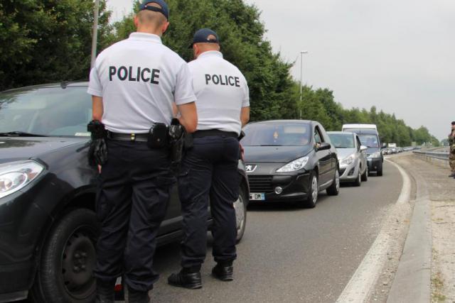 Dupont-Aignan souhaite des contrôles aux frontières pour lutter contre le terrorisme, ainsi que les trafics de drogues et d'armes. (Photo: DR)