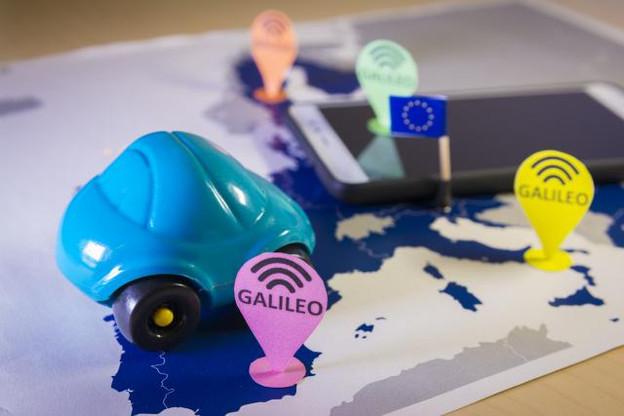 Là où le GPS est capable de localiser au mieux à sept ou huit mètres en configuration civile, Galileo bénéficie d'une précision au mètre près, voire au centimètre dans sa version payante. (Photo: Fotolia / tanaonte)