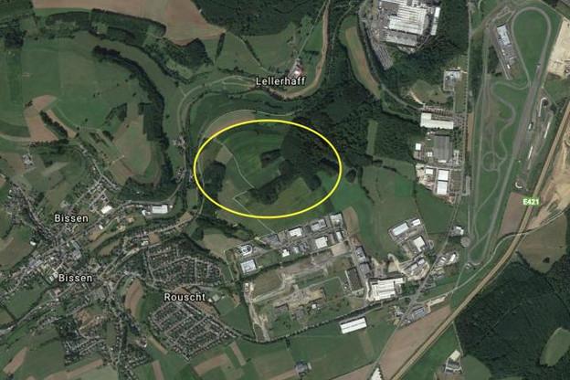 Une vue, en jaune, de la zone sur laquelle Google pourrait s'implanter, selon RTL. (Photo: Google Earth)