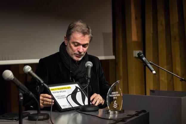Le prix a été remis à Paul Thiltges de la société Paul Thiltges Distributions, post-producteur et distributeur du documentaire de Frédérique Buck. Il représentait la réalisatrice, absente ce soir-là à la cérémonie. (Photo: Etienne Grimée)