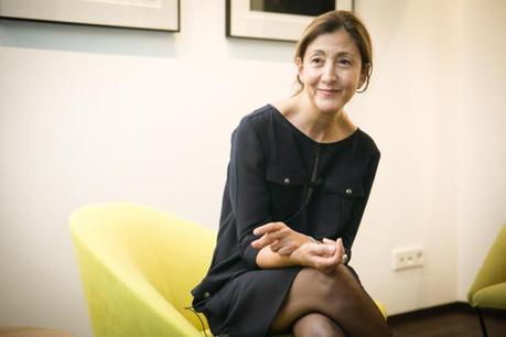 Ingrid Betancourt dégage un sentiment de sérénité retrouvée qu'elle partage avec ses interlocuteurs.  (Photo: Maison Moderne Studio)