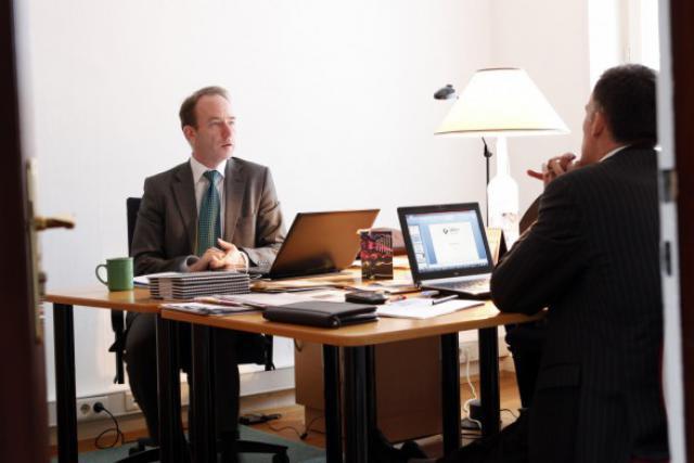 Xavier Heude et Michel Vandevoir (de face) tiennent avec Meso Impact Finance un projet prêt à être déroulé sur une décennie. (Photo : Oliver Minaire)
