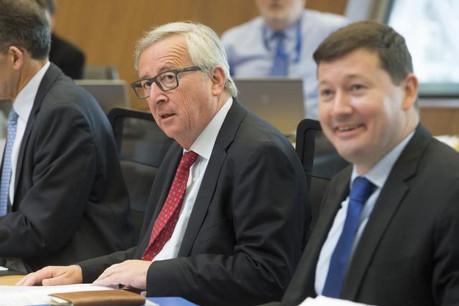 Jean-Claude Juncker et son bras droit Martin Selmayr peuvent respirer, même si le Selmayrgate fera tache sur leurs CV. (Photo: Union européenne)
