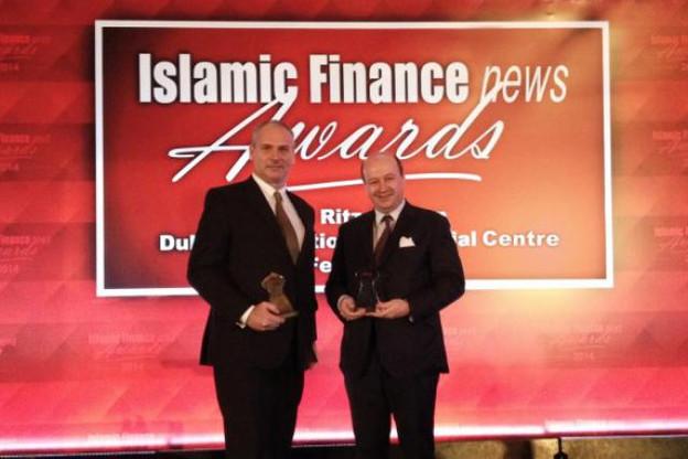 À Dubaï, Olivier de Jamblinne (à droite) et Jonathan Grosvenor ont reçu le double prix. (Photo: KBL epb)