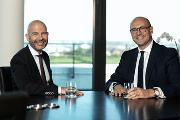 À gauche, Serge Krancenblum à présent qu'executive chairman du groupe et Mark Pesco nouveau group CEO à droite. (Photo: SGG)