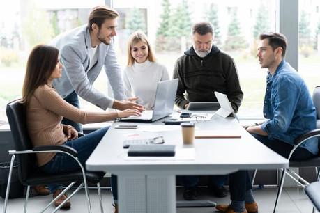 Les femmes sont beaucoup mieux représentées dans l'effectif total des signataires de la charte (52%) que dans les autres entreprises (41% au niveau national). (Photo: Shutterstock)