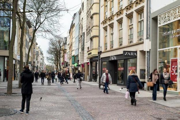 La confiance des consommateurs a connu une baisse légère le mois passé. (Photo: Shutterstock)