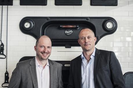 Patrick Muller et Manou Emringer revendiquent des produits de haute qualité, à défaut de pouvoir mettre en avant une tradition de pain luxembourgeoise.  (Photo: Mike Zenari)