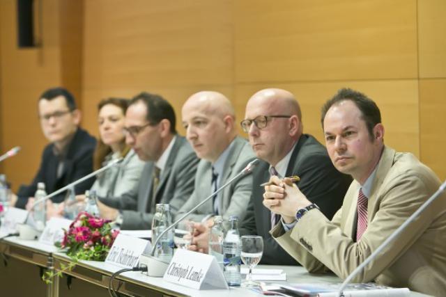 Christoph Lemke (SES, au premier plan): «Tout le monde doit avoir accès aux outils de formation dont il a besoin.» (Photo: Blitz / LSC)