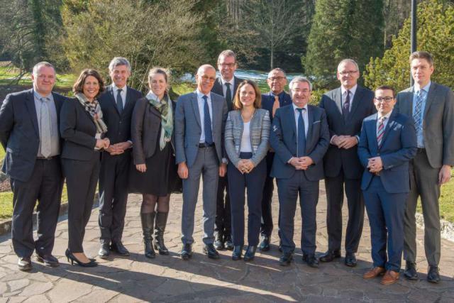 Les représentants politiques du sommet de la Grande Région étaient réunis ce jeudi – autour de la ministre Corinne Cahen – au château de Senningen. (Photo: DR)