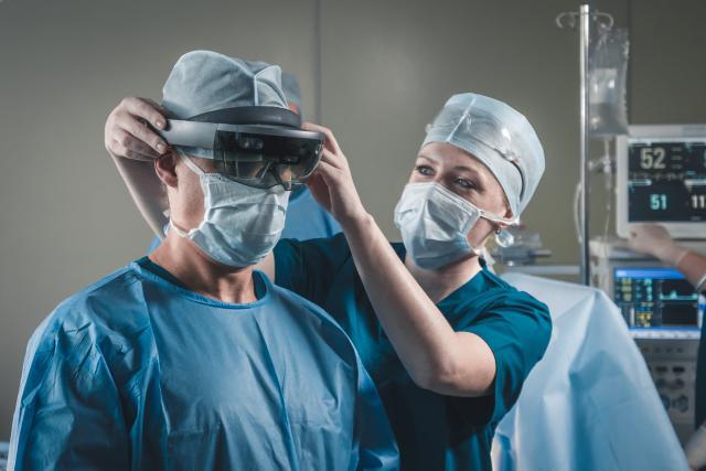 La réalité virtuelle constitue un soutien éminent à l'hypnothérapie en élargissant le socle de la population réceptive aux techniques d'hypnose. (Photo: AdobeStock / daniilvolkov)