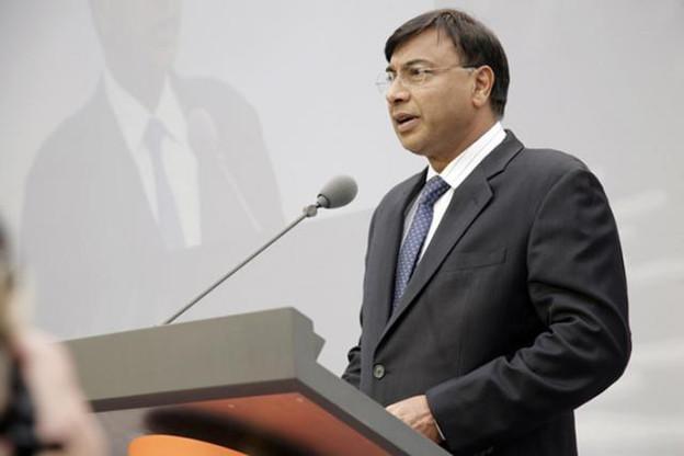En cinq ans, Lakshmi Mittal, CEO d'ArcelorMittal, a perdu la moitié de ses avoirs personnels, selon le magazine Forbes. (Photo: ArcelorMittal)
