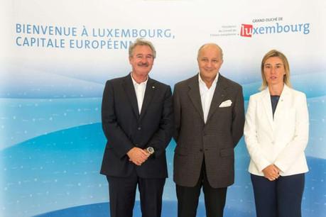 Jean Asselborn et Federica Mogherini président la réunion informelle «Gymnich» à laquelle participe notamment le ministre français des Affaires étrangères, Laurent Fabius. (Photo: Présidence du Conseil de l'Union européenne)