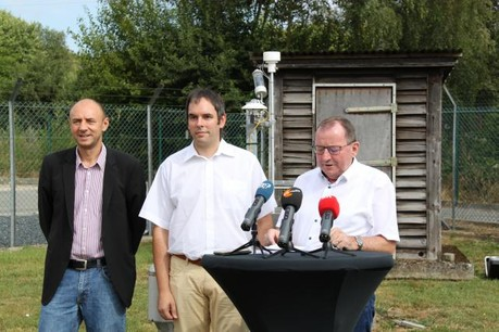 (De g. à dr.) Marc Weyland, directeur de l'Administration des services techniques de l'agriculture (Asta), Dr Andrew Ferrone, chef du service météorologique de l'Asta, et Fernand Etgen, ministre de l'Agriculture. (Photo: MAVPC)