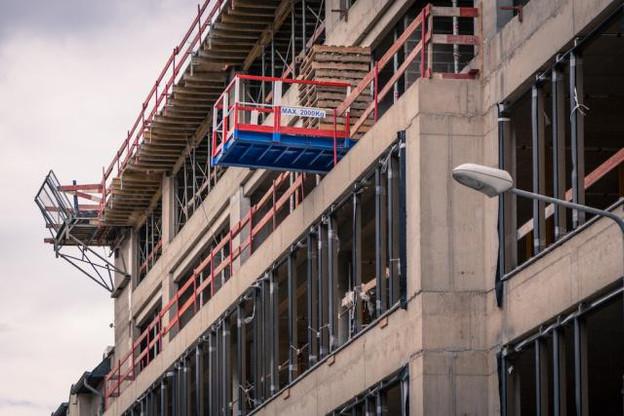 La construction de logements étant encore insuffisante pour pallier le manque d'habitations et atténuer l'explosion des loyers, le gouvernement a pris le parti d'aider les ménages modestes à payer leur loyer. (Photo: Maison Moderne / Archives )