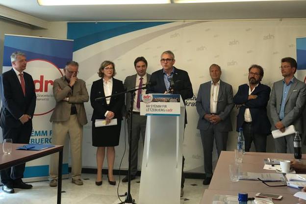 L'ADR, ici son président Jean Schoos au pupitre, a présenté son programme pour les élections législatives du 14 octobre. (Photo: Ioanna Schimizzi)
