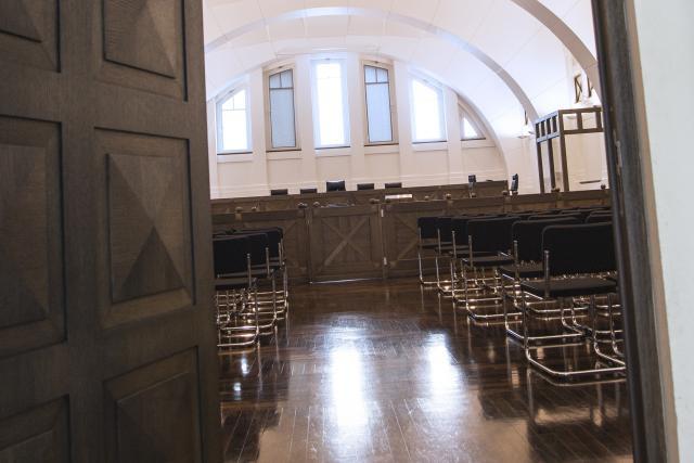 Le couple convoqué est prié de trouver un avocat pour assurer sa défense, dans les deux semaines suivant cette convocation. (Photo: Luc Deflorenne / archives)
