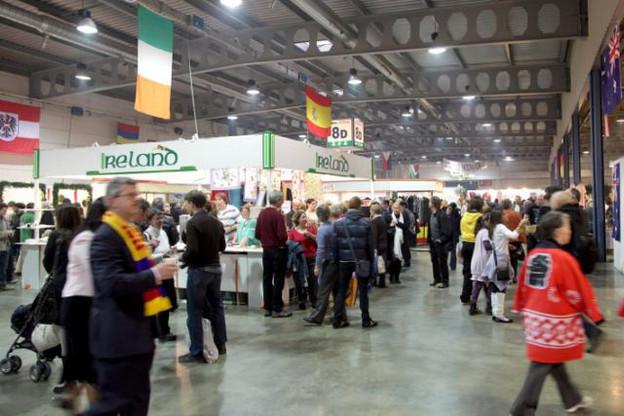 De nombreux pays sont représentés pour ce Bazar International. (Photo: Luc Deflorenne / archives)