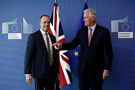 C'est la question du statut que doit prendre la frontière avec l'Irlande du Nord qui fait toujours buter les négociations entre Dominic Raab et Michel Barnier. (Photo: Shutterstock)