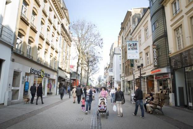 La qualité du commerce luxembourgeois attire encore le chaland, mais le cadre doit être amélioré. (Photo: Maison Moderne/archives)