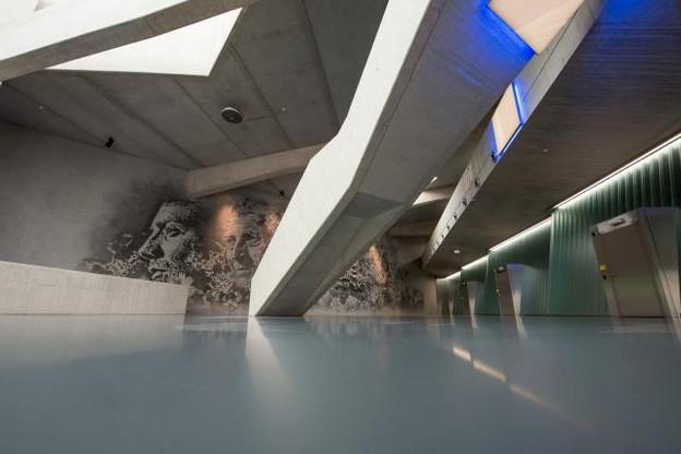 Le lobby et les show-rooms adjacents accueillent une exposition temporaire d'œuvres conservées au Freeport. (Photo: Le Freeport Luxembourg et Nader Ghavami)
