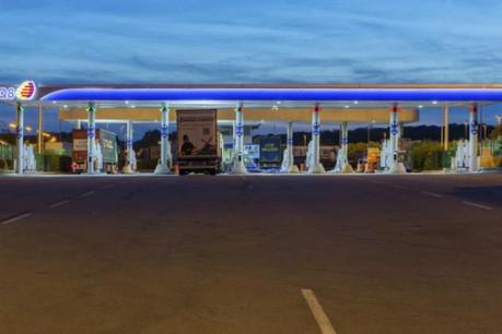 28 pompes fonctionnent pour les cartes IDS et l'abondante clientèle de routiers. (Photo: Q8 / J-P.R.)