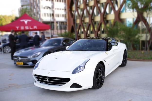 Les voitures de luxe et sportives attirent, mais restent une niche relativement étroite. (Photo: DR)