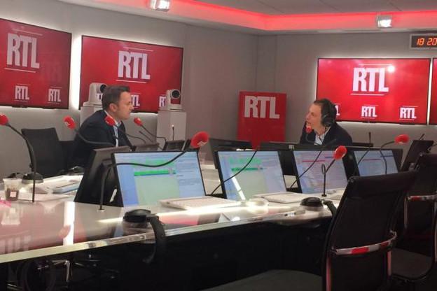 Xavier Bettel était l'invité de Marc-Olivier Fogiel, lundi soir, pour détailler les enjeux de la visite d'État luxembourgeoise en France. (Photo: RTL)