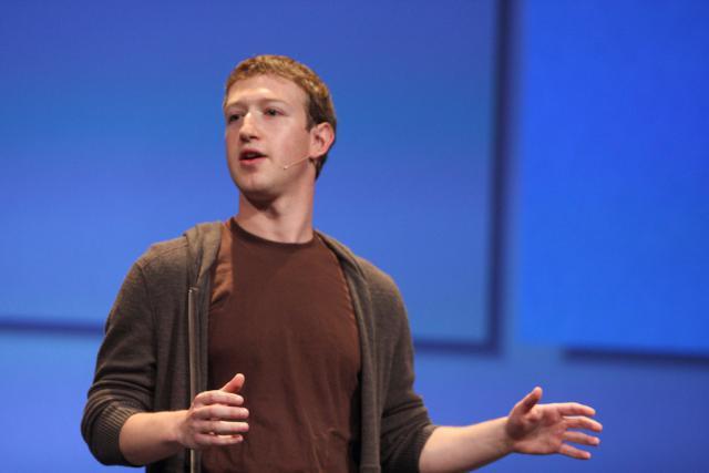 Mark Zuckerberg veut montrer qu'il assume, en tant que fondateur du réseau social. (Photo: Licence CC)