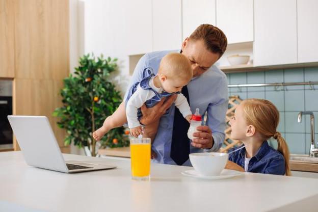 Les papas veulent aussi passer plus de temps avec leurs enfants. (Photo: Shutterstock)