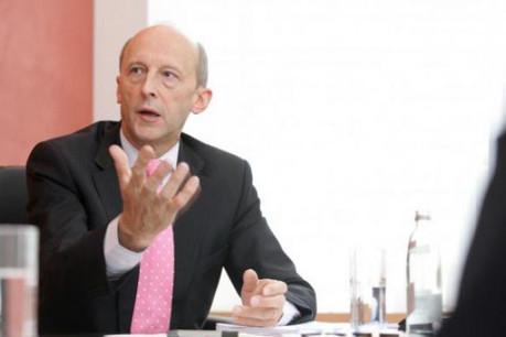 Glbert Ernst (BCEE) : « KPMG a prédit une progression du paiement mobile de plus de 50% entre 2009 et 2013 » (Photo : Luc Deflorenne / archives)