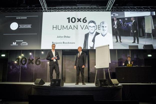 Julien Delpy, le directeur du Paperjam Club, et Benjamin Beeckmans, le responsable du projet pour la Solvay Brussels School of Economics & Management, étaient venus présenter le mini MBA lors du 10x6 Human Value, le 30 mai dernier. (Photo: Maison Moderne)