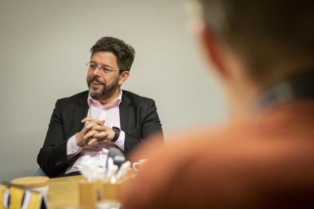 Représentant du patronat des entreprises des secteurs du commerce, des transports et des services, Nicolas Henckes regrette l'absence de chefs d'entreprise dans la sphère politique. (Photo: Maison Moderne)