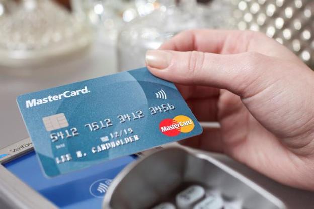 La technologie NFC offre des transactions plus pratiques, sûres et rapides. (Photo: Mastercard)