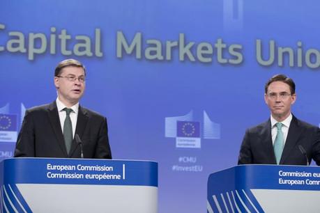Les vice-présidents de la Commission, Valdis Dombrovskis et Jyrki Katainen, défendent un label européen pour les plateformes de «crowdfunding». (Photo: Commission Européenne)