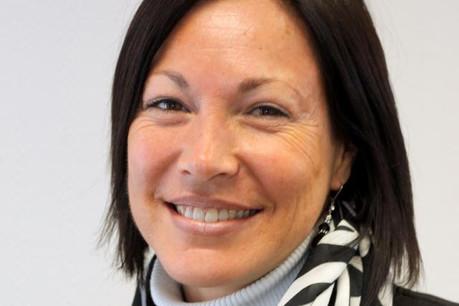 Paula Da Conceicao (Dupont de Nemours): «Nous recevons régulièrement des classes de lycées classiques et techniques pour donner aux lycéens une chance de se familiariser avec les différents types de travail dans notre société.» (Photo: DuPont de Nemours)