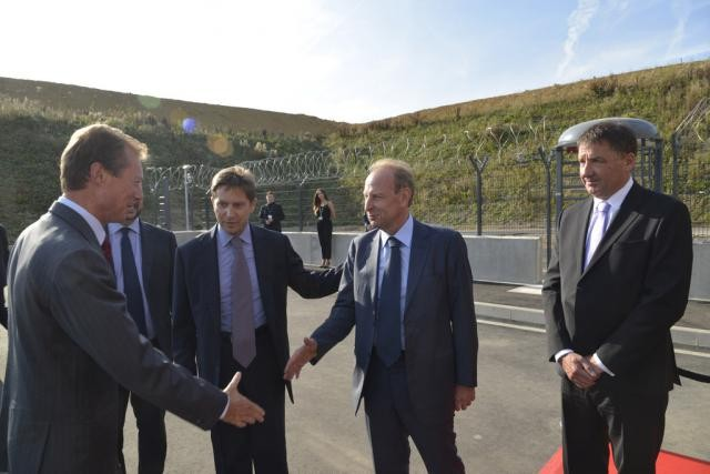 Yves Bouvier saluant le Grand-Duc Henri lors de l'inauguration du Freeport en septembre dernier. (Photo: Freeport.lu)