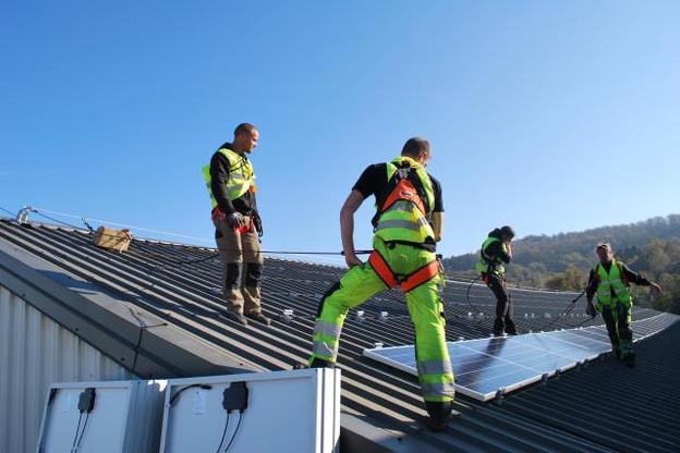 Du fait de la taille du pays, la très grande majorité des centrales solaires du Luxembourg se trouve sur les toits. (Photo: Heliosmart)