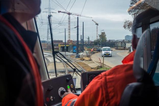Après la station de la place de l'Étoile, qui doit être ouverte au printemps 2018, le chantier du tram se poursuivra jusqu'à fin 2019 pour atteindre la gare, selon André Von der Marck. (Photo: Mike Zenari)