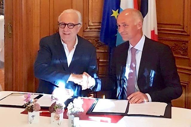 Alain Ducasse et Michel Lanners, fiers de leur partenariat. (Photo: EHTL)
