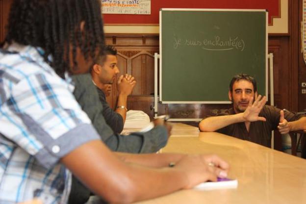 Une des classes passerelles organisées par Caritas.  (Photo: Pierre Levy)