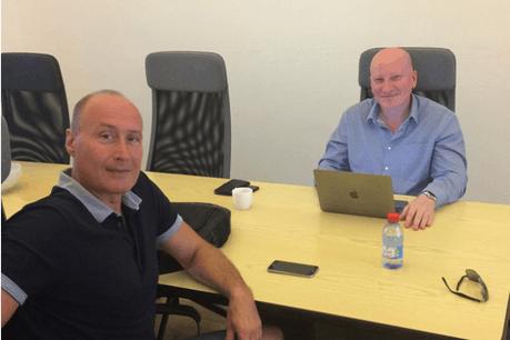 Fabrice Testa, Senior Advisor chez Luxfactory, et Kris Bober en pleine réunion Crédit Photo: Luxfactory